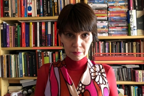 Dani Espíndola lança e-book 'Tanto fiz que deu poema'