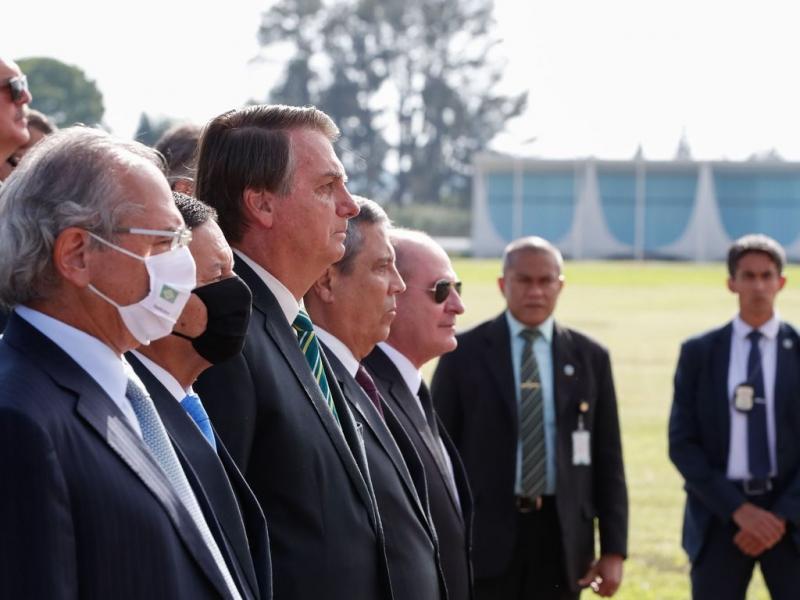 Ministros e demais membros do governo se reuniram no Palácio da Alvorada