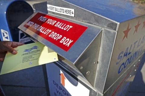 Eleições EUA: Suprema Corte permite prazos mais longos para votos de ausentes