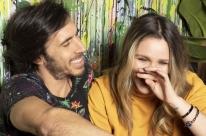 Claus e Vanessa participam de live de lançamento do novo single