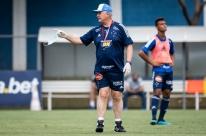 Com ajuda de psicóloga, Felipão resgata confiança do Cruzeiro