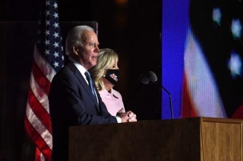 Eleições EUA: Campanha de Biden diz que declaração de Trump é 'ultrajante' e que apuração 'não vai parar'
