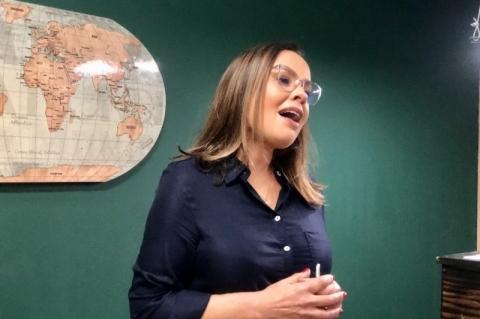 Nas redes sociais, eleitores cobram apoio de Juliana Brizola a Manuela d'Ávila no segundo turno em Porto Alegre