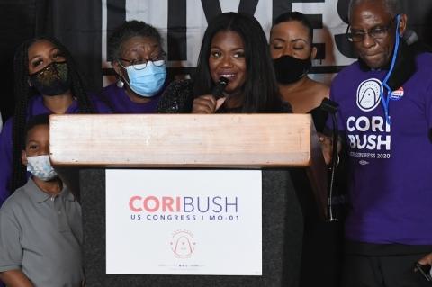 Eleições EUA: Cori Bush, ativista do Black Lives Matter, é eleita para a Câmara