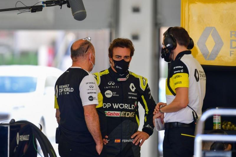 Piloto espanhol voltará à categoria na próxima temporada, comandando carro da Renault