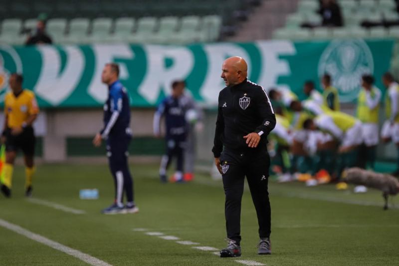 Técnico Sampaoli já indicou 11 contratações desde março, quando chegou ao clube