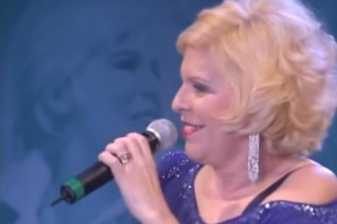 Aos 73 anos, morre a cantora Vanusa