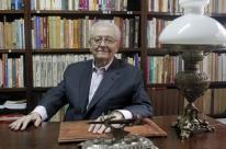 Professor Luiz Osvaldo Leite é testemunha privilegiada da cultura feita no RS