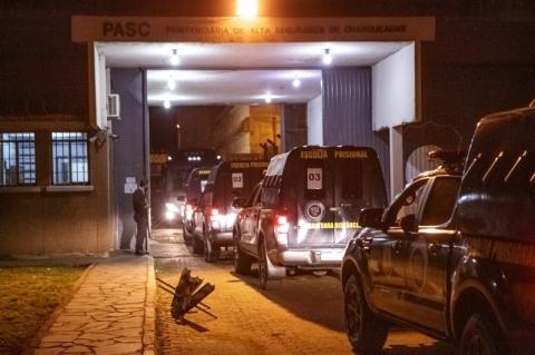 Operação transfere nove líderes de organizações criminosas para penitenciárias federais fora do RS