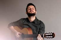 Pablo Lanzoni conta com participação de Zeca Baleiro em single
