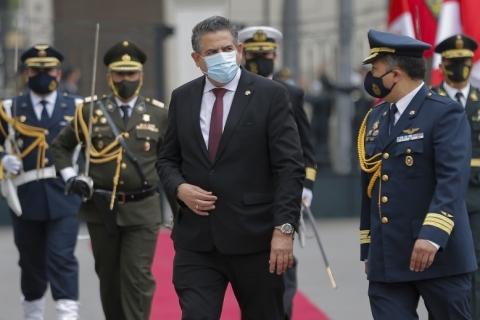 Presidente interino no Peru, Manuel Merino renuncia após protestos