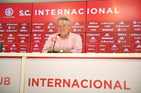 Inter: 'Não vou ousar mudar aquilo que vem dando certo', diz Abel