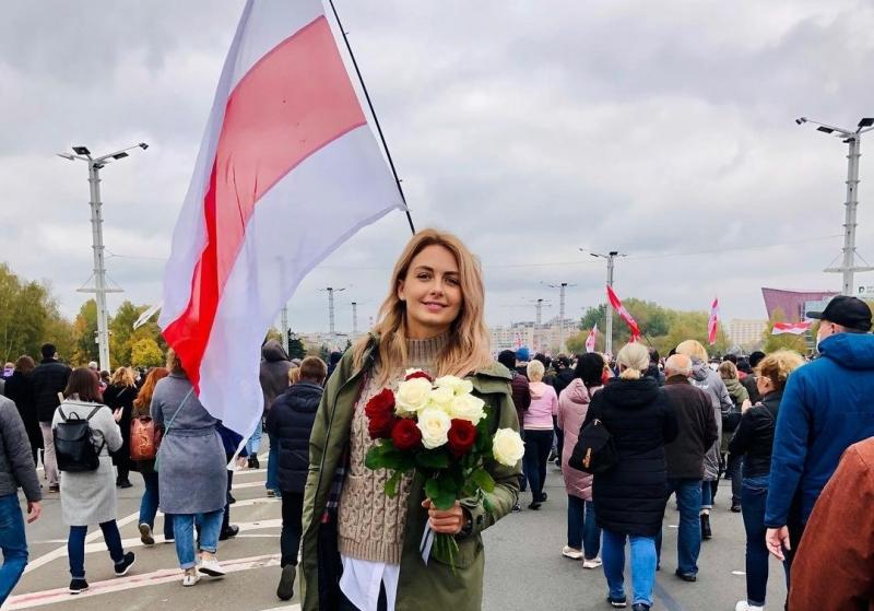 Olga Khizhinkova foi detida no domingo em um dos dias de maior repressão nos protestos