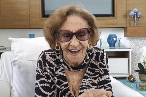 Laura Cardoso fala sobre os 70 anos da TV brasileira no Conversa com Bial