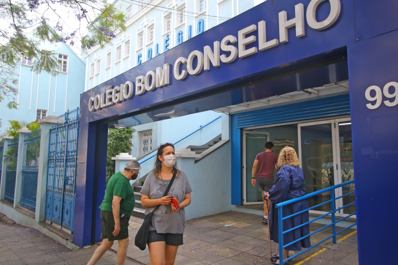 Maior colégio eleitoral de Porto Alegre, o Colégio Bom Conselho tem cerca de 10 mil eleitores