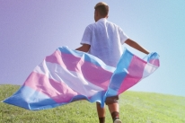 Documentário que acompanha desenvolvimento de jovens transgêneros estreia na HBO