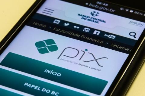 Pix poderá ser usado para pagar tributos e até taxa de passaporte