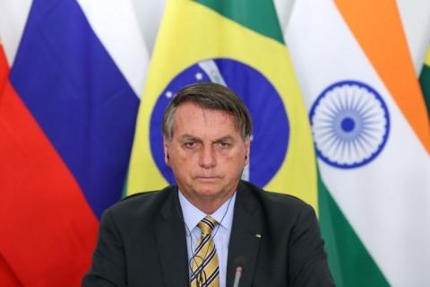 Bolsonaro diz que Brasil se soma a esforços internacionais na busca de vacinas
