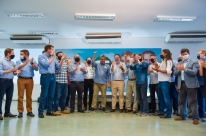 Deputados e vereadores gaúchos de nove partidos formam frente de apoio a Sebastião Melo