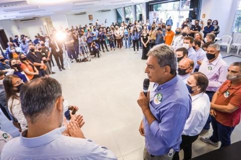 Melo recebe apoio de parlamentares e aposta na influência do colegiado nas urnas