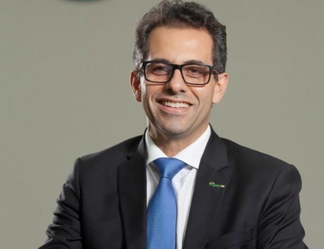 {'nm_midia_inter_thumb1':'https://www.jornaldocomercio.com/_midias/jpg/2020/11/19/206x137/1_site___contador_flavio_ribeiro_junior__delegado_regional_do_conselho_regional_de_contabilidade_do_rio_grande_do_sul__crcrs__em_viamao_-9193585.jpg', 'id_midia_tipo':'2', 'id_tetag_galer':'', 'id_midia':'5fb68ae8c4f00', 'cd_midia':9193585, 'ds_midia_link': 'https://www.jornaldocomercio.com/_midias/jpg/2020/11/19/site___contador_flavio_ribeiro_junior__delegado_regional_do_conselho_regional_de_contabilidade_do_rio_grande_do_sul__crcrs__em_viamao_-9193585.jpg', 'ds_midia': 'SITE-  contador Flávio Ribeiro Júnior, delegado regional do Conselho Regional de Contabilidade do Rio Grande do Sul (CRCRS) em Viamão.', 'ds_midia_credi': 'Flávio Ribeiro Júnior/ARQUIVO PESSOAL/JC', 'ds_midia_titlo': 'SITE-  contador Flávio Ribeiro Júnior, delegado regional do Conselho Regional de Contabilidade do Rio Grande do Sul (CRCRS) em Viamão.', 'cd_tetag': '1', 'cd_midia_w': '659', 'cd_midia_h': '507', 'align': 'Left'}