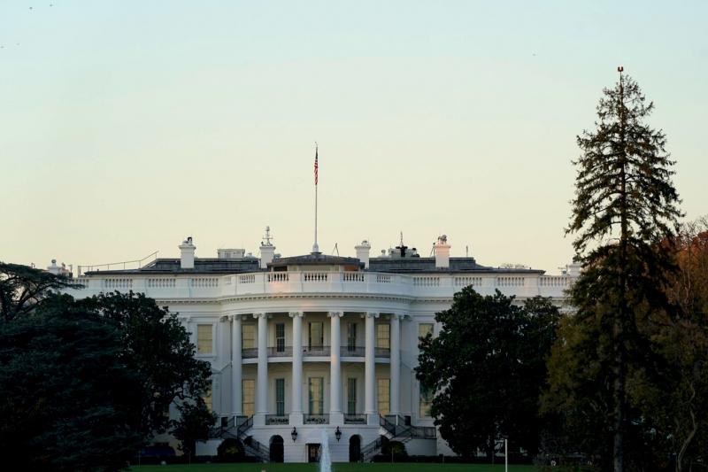 O chefe da Casa Branca planeja apresentar o pacote à população em viagens pelo país