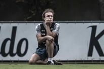 Oito dias após alta, Cuca aguarda exames para definir seu retorno ao Santos