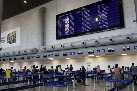 Aeroporto de Porto Alegre projeta 110 voos diários em dezembro, recorde na pandemia