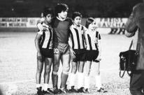 Inter e Grêmio rendem homenagem a Maradona: 'Uma lenda'