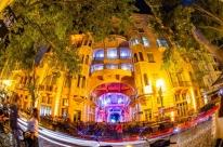 Luzes se acendem novamente na fachada dos museus neste sábado