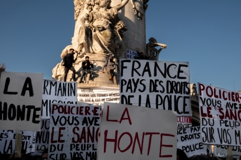 Milhares protestam contra lei de segurança na França