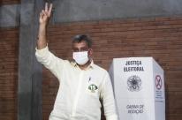 Após voto, Melo justifica divulgação de pesquisa falsa