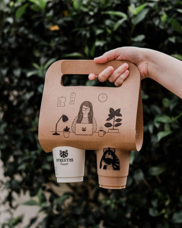 Para reforçar o conceito to go, o local desenvolveu embalagens especiais