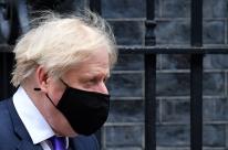 Vacinação fará economia andar, mas não será obrigatória, diz Boris Johnson