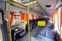 Lotações de Porto Alegre enfrentam crise de passageiros