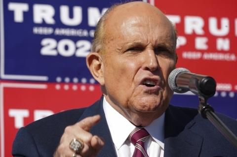 Rudy Giuliani está com Covid-19, anuncia Donald Trump