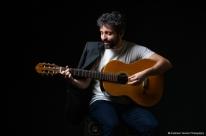 Paulinho Parada lança single nesta terça-feira nas plataformas digitais