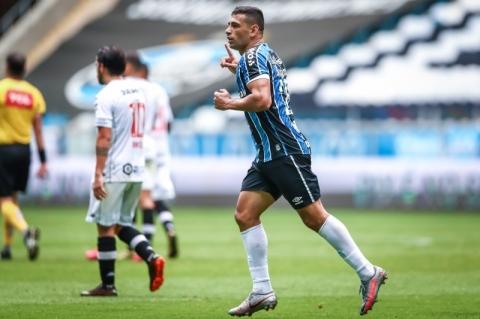 Kannemann segue como dúvida, mas Jean Pyerre volta contra o Santos