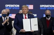 Trump diz que órgão regulador norte-americano deve aprovar uso de vacina da Covid-19 em dias