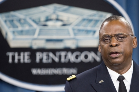 Biden escolhe ex-general negro Lloyd Austin como secretário de Defesa