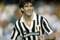 Carrasco do Brasil na Copa do Mundo de 1982, Paolo Rossi morre aos 64 anos