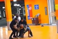 Polícia Civil do RS indicia seis pessoas pela morte de Beto Freitas no Carrefour