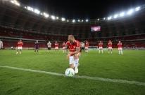 Doze anos depois, D'alessandro faz sua última partida pelo Inter no Beira-Rio