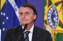 Bolsonaro diz que Brasil está 'quebrado' e que não consegue mexer na tabela do IR