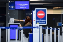 EUA exigirão que passageiros do Reino Unido apresentem teste negativo de Covid-19