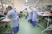 Brasil tem 193,8 mil mortes e 7,61 milhões de casos de Covid-19