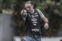Santos vai à casa do Boca atrás de vantagem na Libertadores