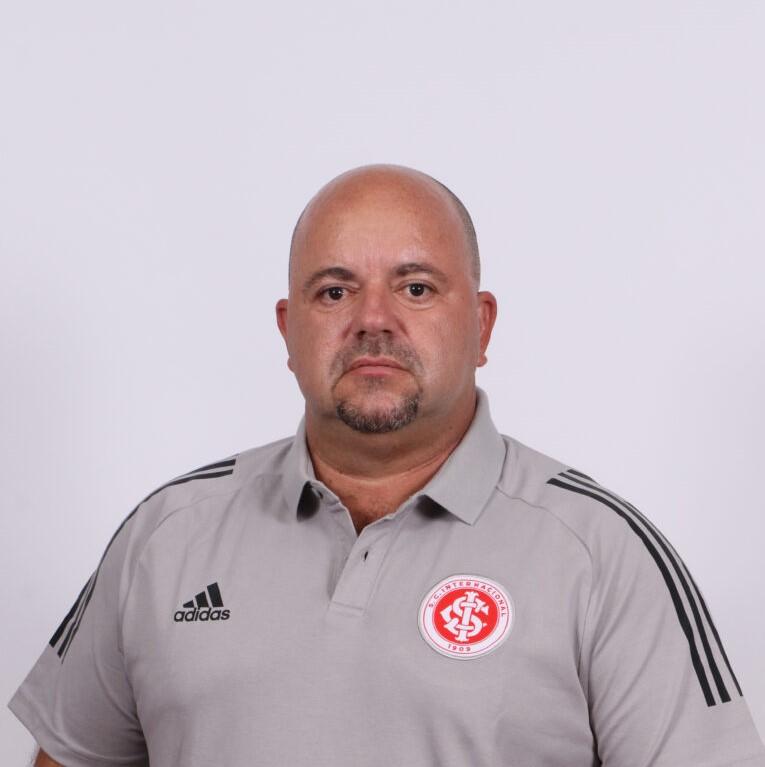 Julinho chega ao Colorado para assumir o cargo de gerente da transição com as categorias de base