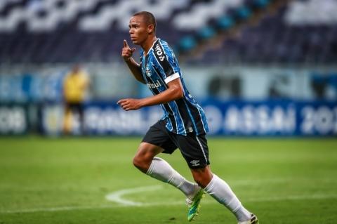 Grêmio vence o Bahia por 2 a 1 e dorme no G-4 do Brasileirão