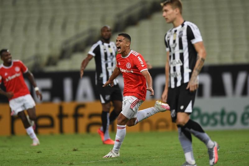 Caio Vidal, queridinho de Abel Braga, marcou o primeiro gol na vitória colorada em Fortaleza